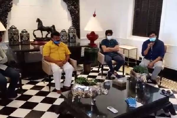 film industry big wigs meeting at chiranjeevi house